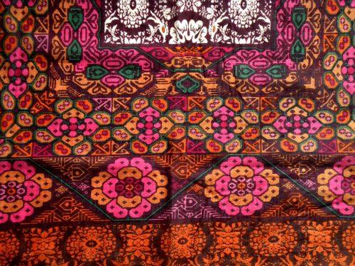 Schal mit Fransen bunt rot lila orange mit Etno Muster