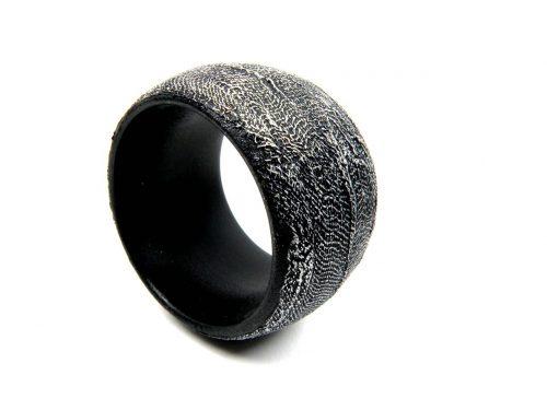 Armband Buche handbemalt Schwarz mit silbernem Muster